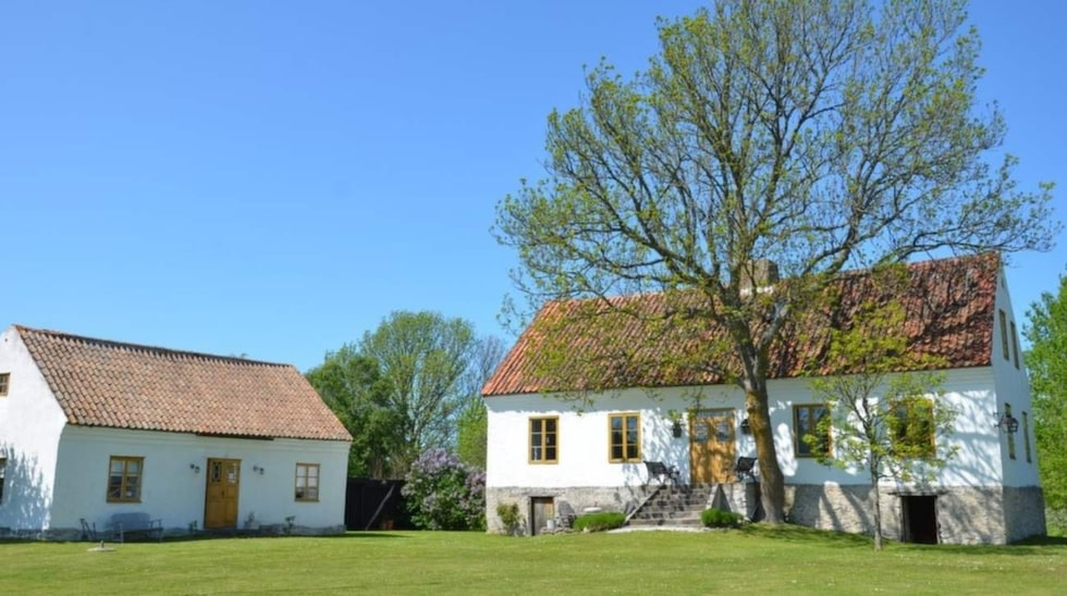 Gården på östra Gotland är till salu för 5,65 miljoner kronor.