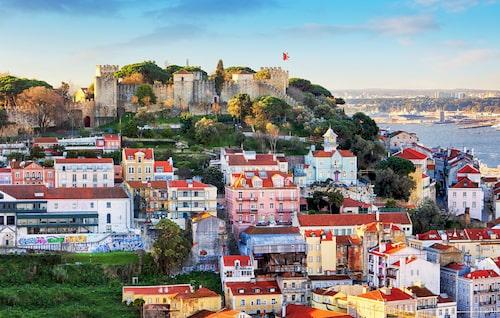 Vidsträckt utsikt från Castelo de Sao Jorge.
