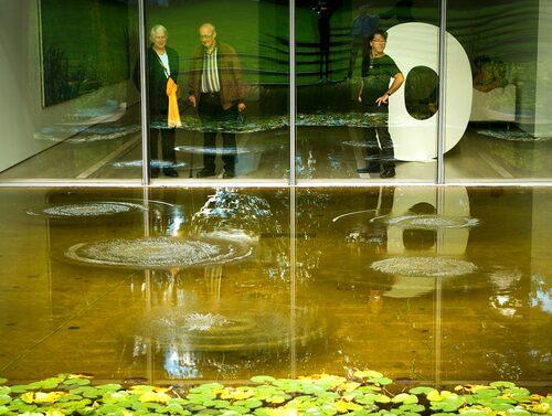 I utkanten av Basel i en grönskande lantlig idyll med betande kor ligger museet Beyeler Foundation, inte olikt den danska motsvarigheten Louisiana.