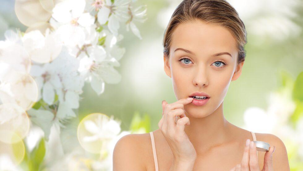 Nariga läppar kan hjälpas med hjälp av ett smaskigt gin & tonic-läppbalsam.