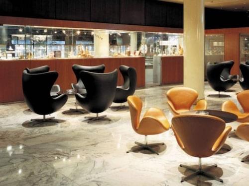 Världens första designhotell, Radisson Blu Royal Hotel