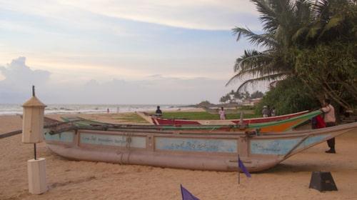 Ahungalla är en lugn och lantlig strand.