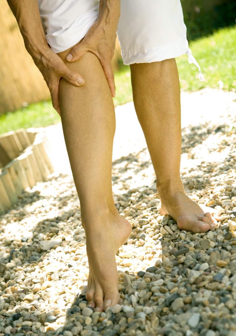 Kramp i benen? Det kan bero på magnesiumbrist.