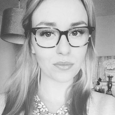 Studenten Linda Erhorn, 23, från Malmö ville göra något nytt med sin Ikea-tavla. Kolla in vad hon gjorde!