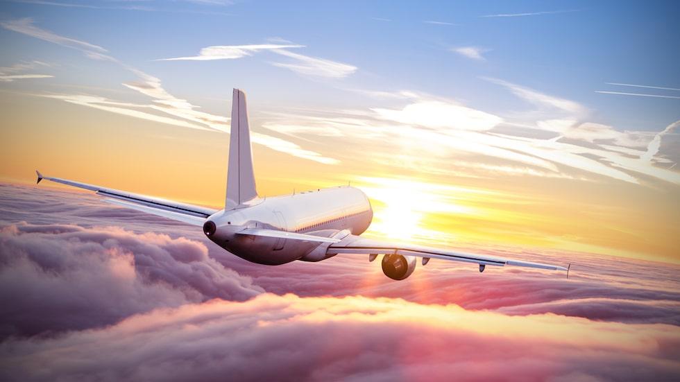 Att en långflygning är fysiskt påfrestande vet alla vana resenärer – tänk då på att flygvärdinnorna gör flera sådana resor per vecka. Nu tipsar de om hur du snabbt återhämtar dig.