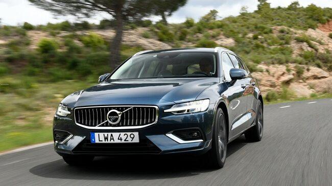 Nya V60 hjälper till att hålla kvar Volvo i tjänstebilstoppen i Sverige.