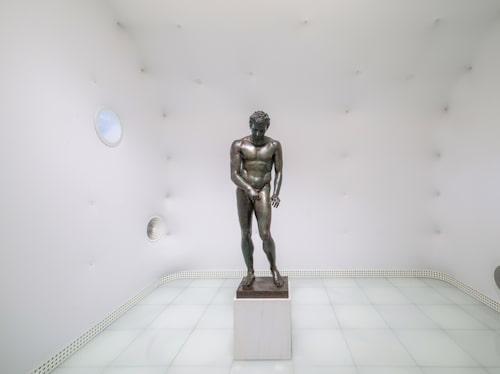 Skulpturen Apoxyomenos hittades på havets botten.