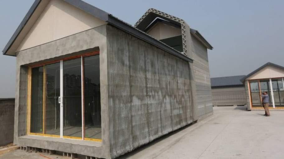 Huset är gjort av återvunnet byggnadsmaterial.