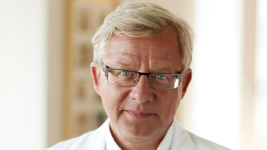 """""""Det är väldigt viktigt att man söker vård"""", säger professorn och överläkaren Jan Nilsson."""