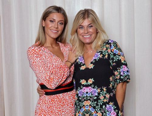Bianca har en nära relation med mamma Pernilla Wahlgren.