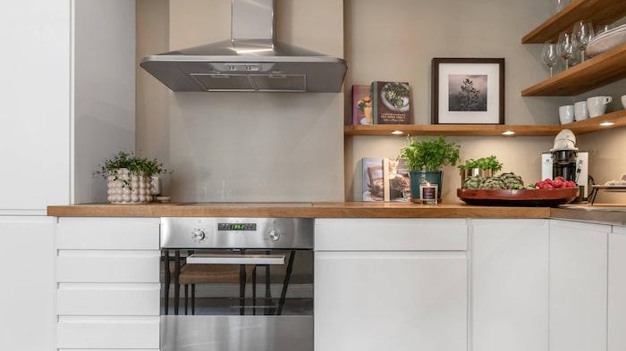 Köket från annan vinkel.
