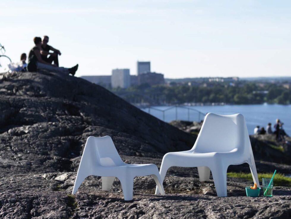 Roligaste nyheten! Nu kommer Ikea PS Vågö i barnstorlek. Stolen heter Bunsö och finns även i rött och grönt. B51×D63, H49 cm, 149 kronor.