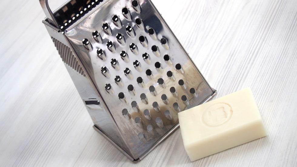Att tillverka egen tvål är både enkelt, billigt och bra för miljön.