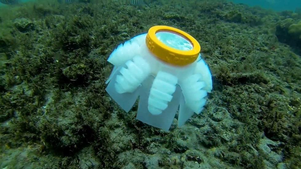 Forskare har skapat robotmaneter som kan skydda hotade havsområden i framtiden.