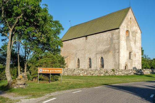 Källa gamla kyrka har en speciell plats i ölänningarnas hjärtan och om sommaren hålls här även många bröllop.
