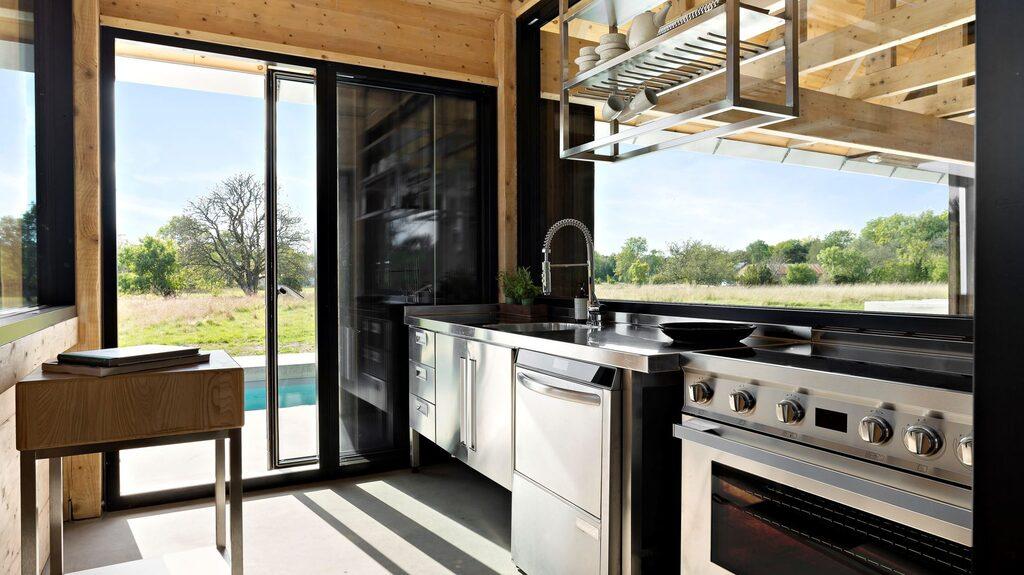 Köket är en inglasad box som är fullt isolerad.