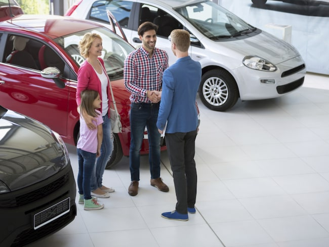 <span>Köpa bil privat eller hos bilhandlare. Dina rättigheter och skyldigheter ändras mycket beroende på vad du väljer. </span>