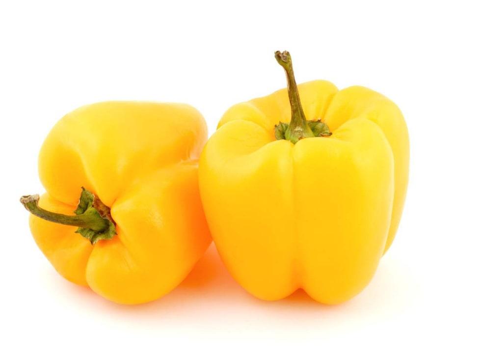 Paprika. Gul, grön och röd - paprika är gott i sallader eller i grytor. Dessutom är grönsaken rik på C-vitamin.