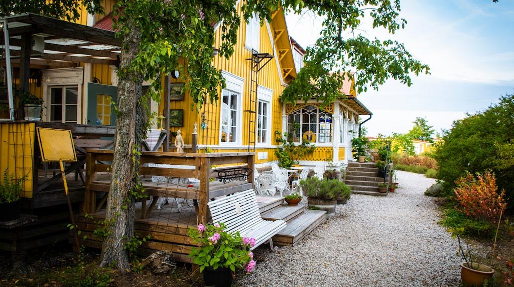 Klassiska pensionat Gula hönan på södra Gotland.