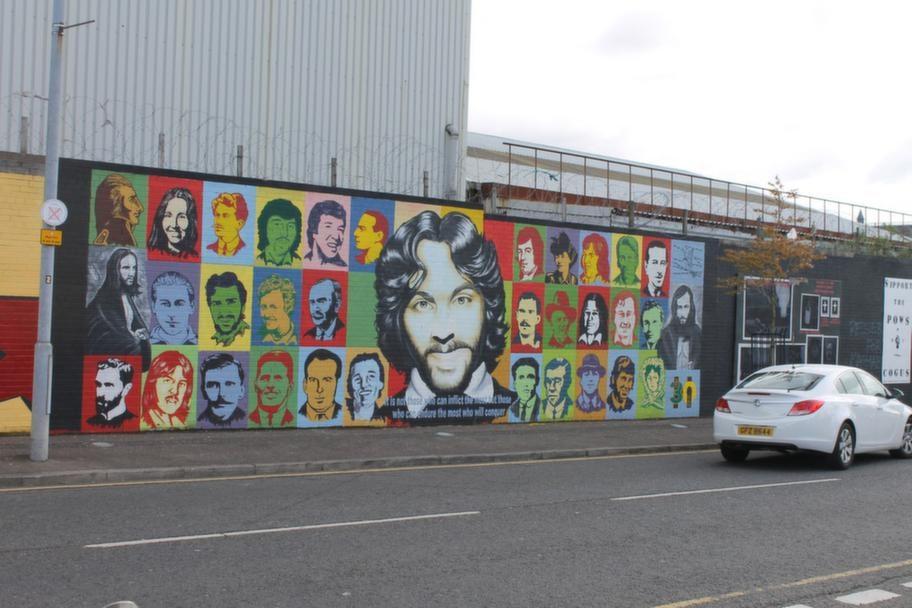 Gerorge Best, som porträtteras här, är från Belfast.