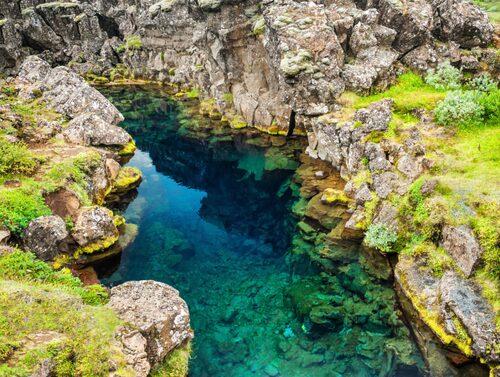 På Island kan du tv-serie-semestra på den lilla ön med den stora naturen.