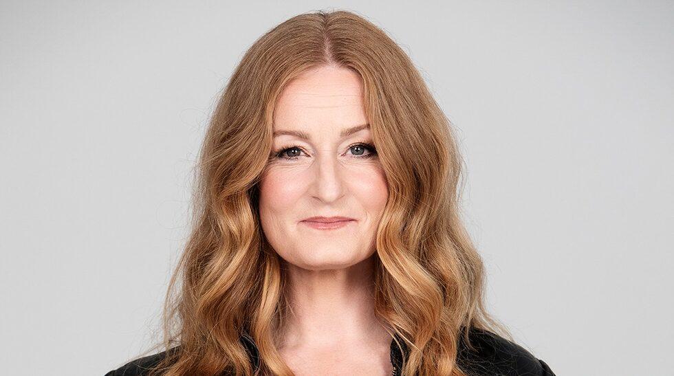 Anna Stadling är aktuell med ny musik. Under rosa månaden oktober är hon också aktuell som ambassadör för Bröstcancerförbundet.