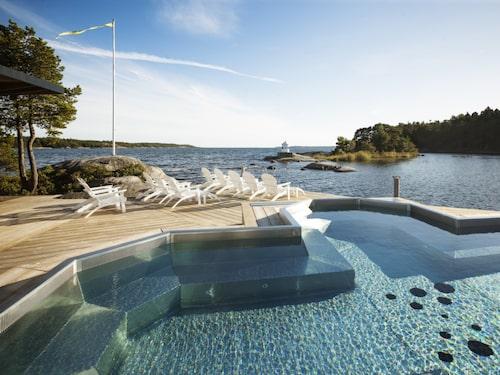 Den stora trätrallen är Nynäs Havsbads epicentrum.