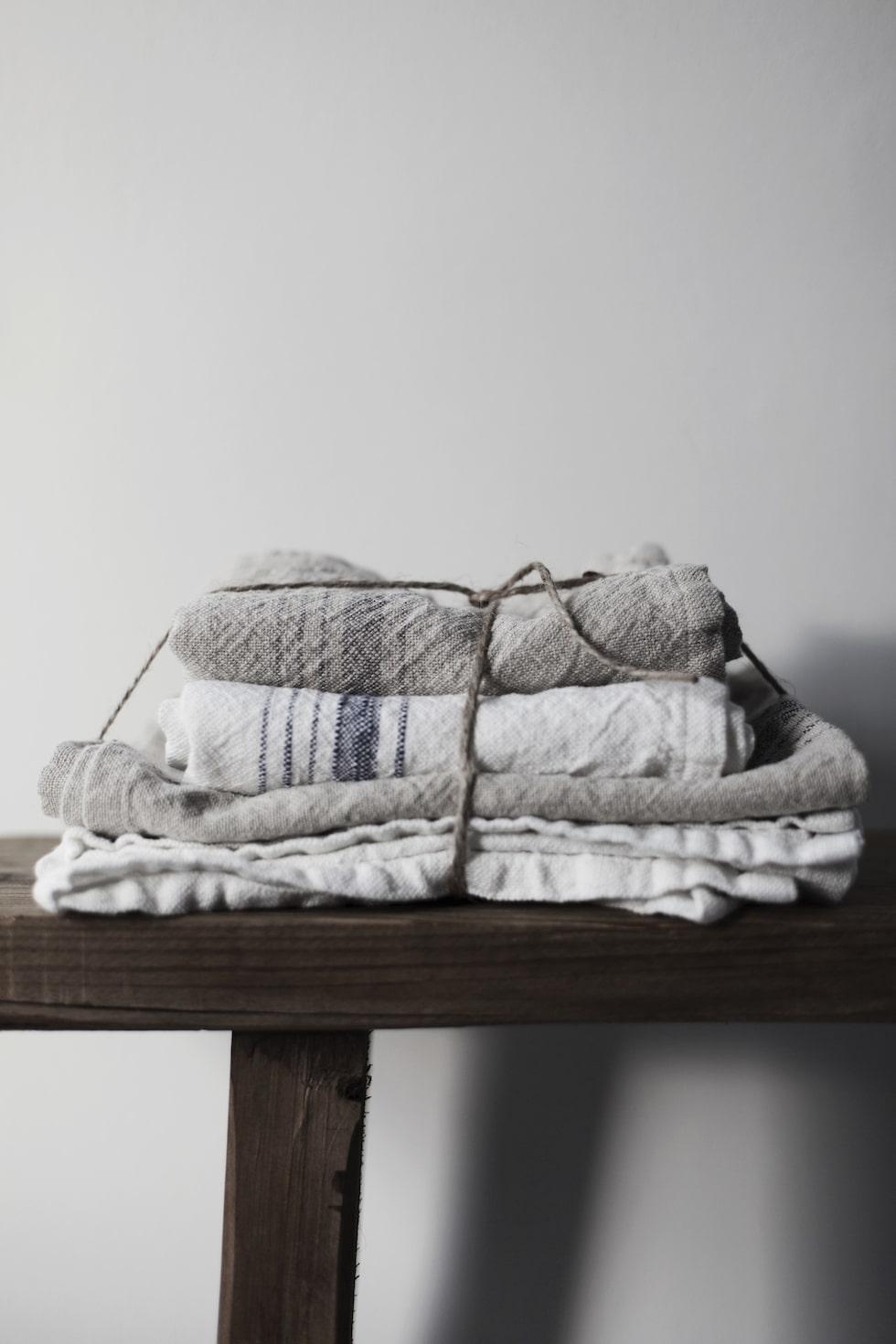Ernst Kirchsteigers nya vårkollektion för hemmet. Kökshandukar 149 kronor.