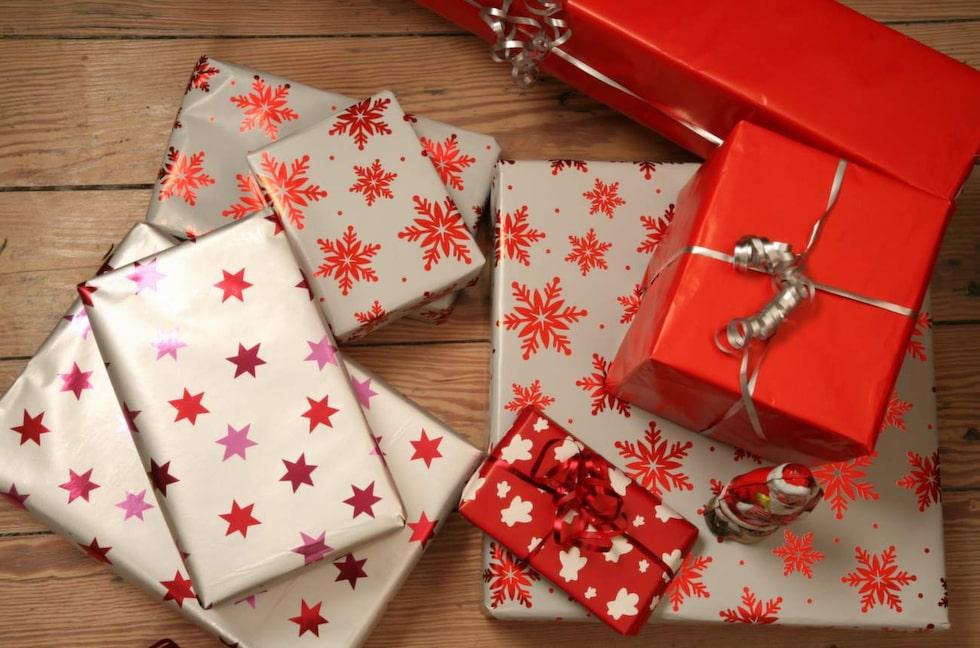 Något annat som är roligt att ge bort är att slå in hemmagjorda presentkort, eller kanske ge bort en kurs eller ett medlemskap på ett lekland, nöjesfält eller liknande.