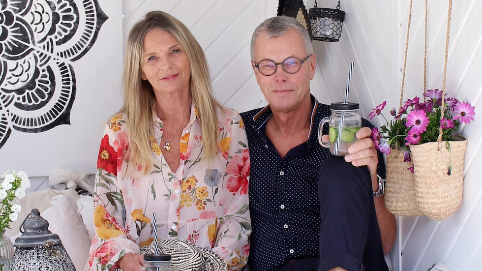 """""""Sommartid är vi ute i stort sett hela dagen. Men Kirsten fryser lätt så vi har försökt att göra det så varmt som möjligt i trädgården"""", säger Tom."""