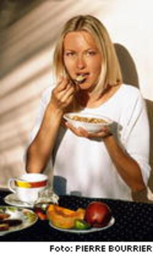 Ätträning, värme och vila är viktiga delar i behandlingen mot anorexi.