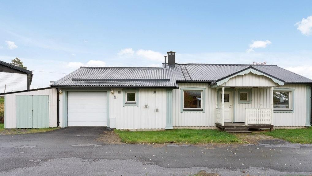 För 45 000 kronor säljs denna villa.