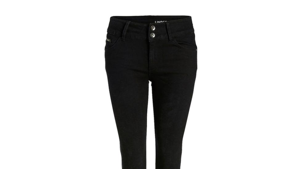 Shaping push up jeans, Lindex 499 krSmala femficks-jeans i en stretchig kvalitet som formar och håller in midjan och låren samtidigt som den lyfter rumpan.