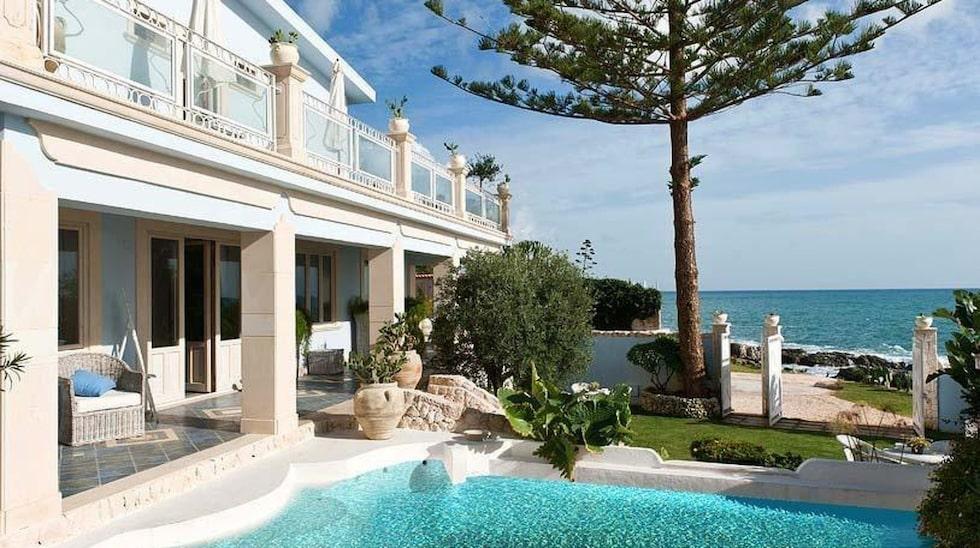 Du skulle kunna bo i det här vackra huset på Sicilien om du är duktig på språk eller kan tänka dig att låna ut ditt eget ställe i utbyte.