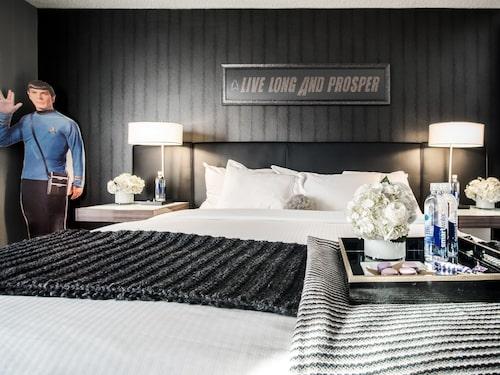 Med Spock i hotellrummet sover du tryggt.
