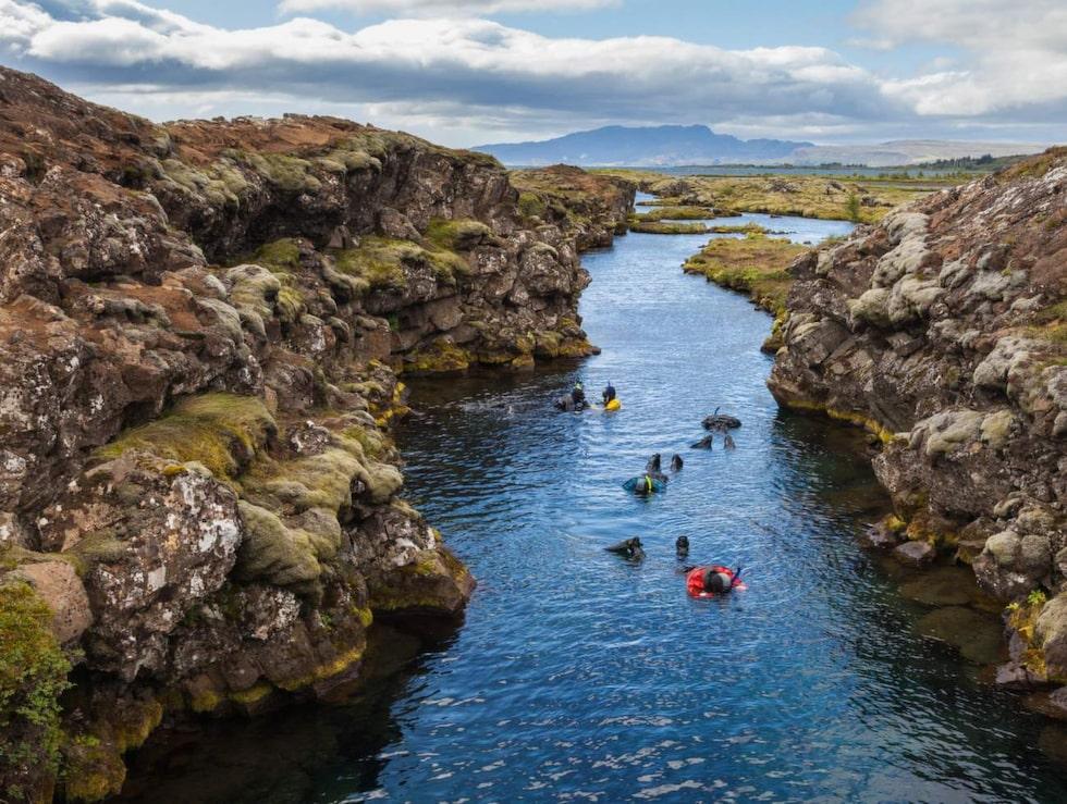 I Þingvellirs vulkaniska skänka rinner Silfra...