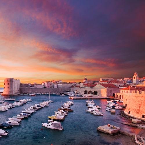 I Dubrovnik finns en stadsstrand – och närliggande öar.