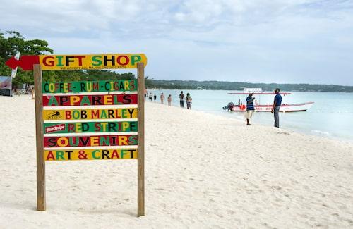 Bob Marley är ständigt närvarande. Det är ju Jamaica!