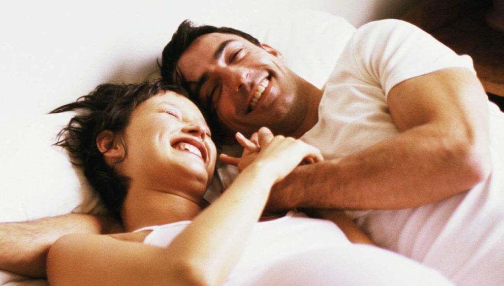 <p>Personer som har sex flera gånger i veckan är inte lyckligare än de som bara har sex en gång i veckan, enligt forskarna.</p>