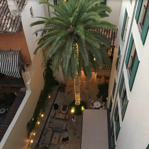 Hotel Tres vackra innergård.