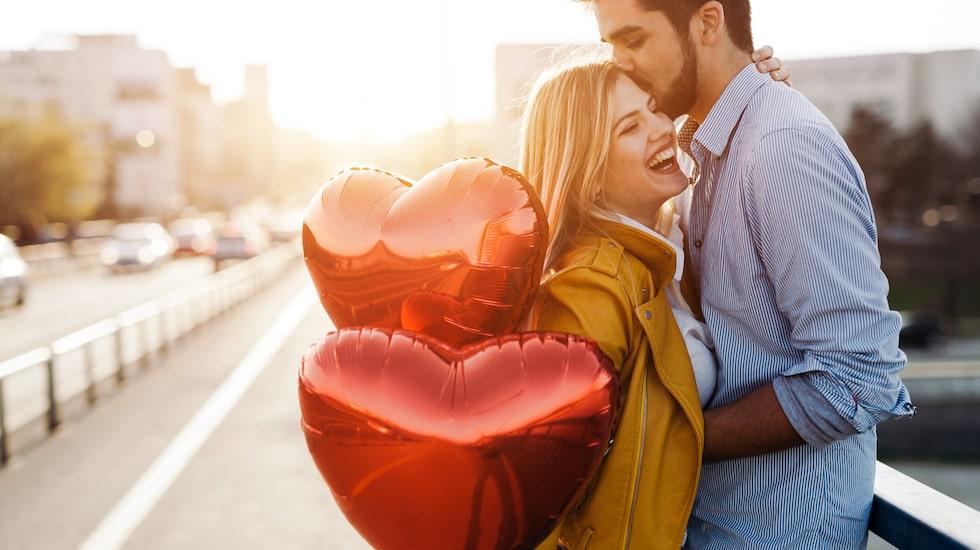 Planerar du en mysig och romantisk middag med din kära på alla hjärtans dag ? Vi ger dig bästa restaurangtipsen.