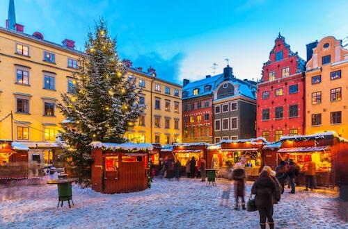 Stockholm har flera julmarknader men mesta julmyset känner man på den i atmosfäriska Gamla stan.