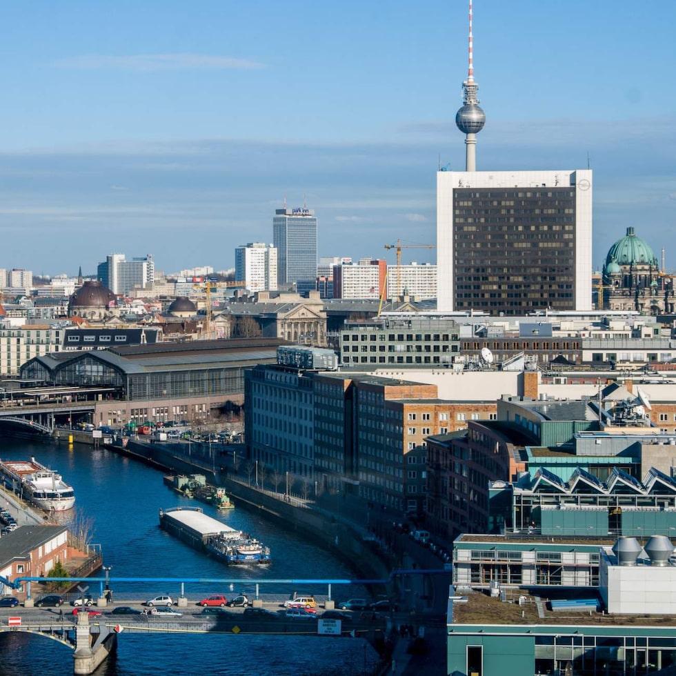marko wramã n utiskt över östra berlin från taket på reichstag.   publicerad text: