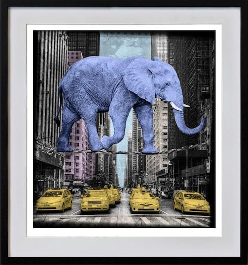 """High in New York, blue - limited edition"" av Lars Tunebo."