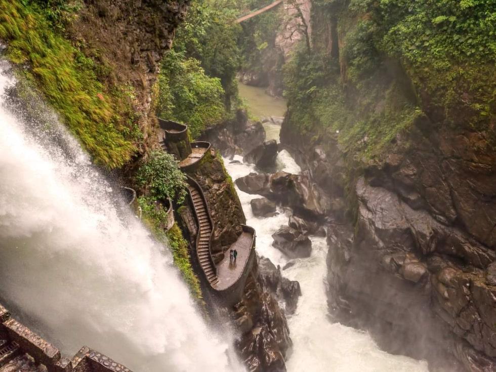 Trapporna vid vattenfallet Pailon del Diablo, Ecuador