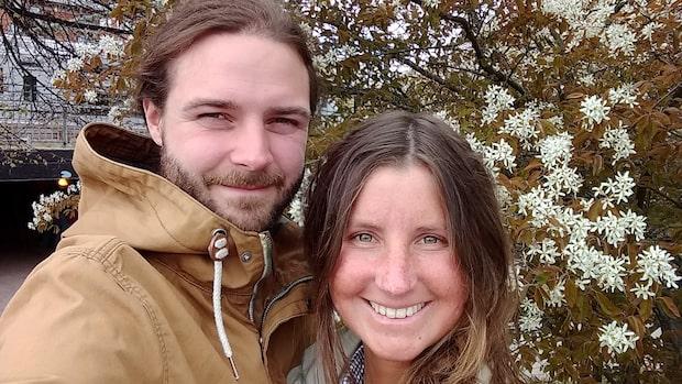 Emanuel och Caroline bygger ett unikt hem - för 200 000 kronor