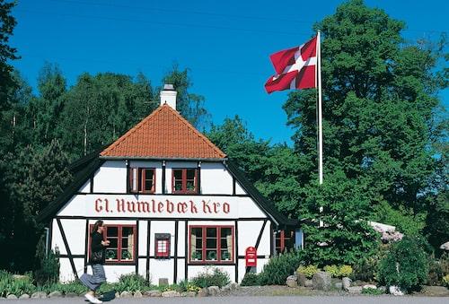 Njut dansk husmanskost på Gammel Humlebaek Kro.