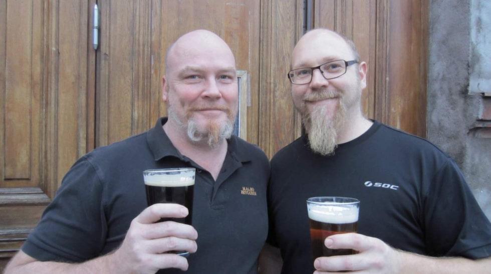 Anders Hansson tog över när det gamla Richterbryggeriet i Malmö skulle rivas och efter tio år kunde han starta ett eget bryggeri i samma lokaler. Här tillsammans med bryggmästare Thomas Fransson (till vänster).