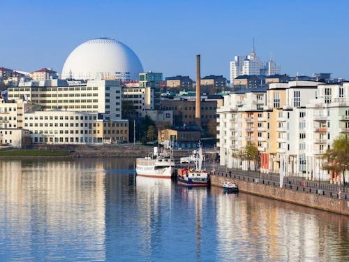 Globen representerar solen i det svenska solsystemet.
