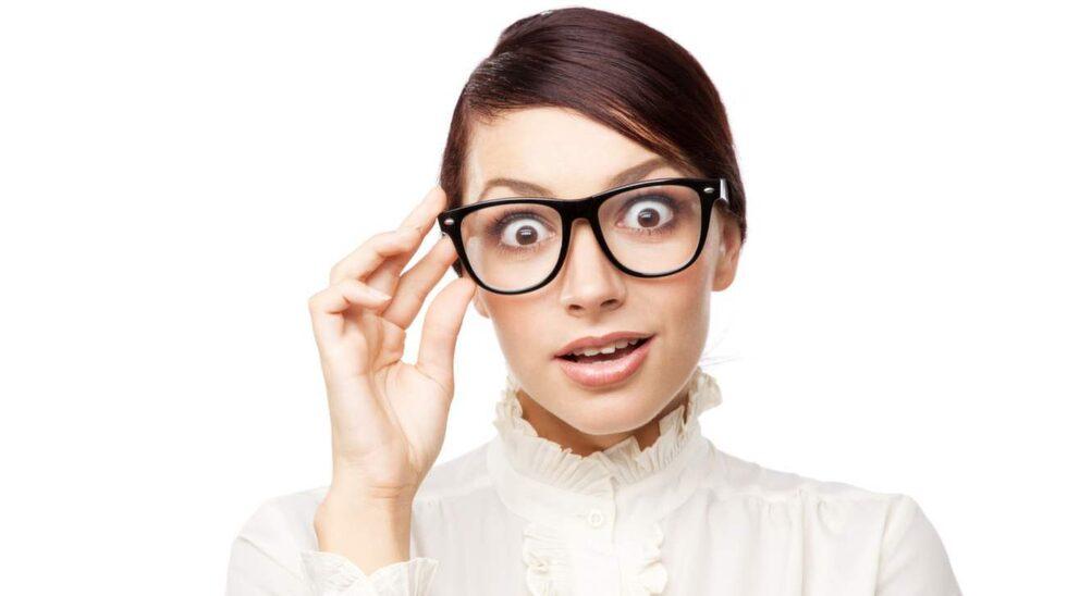 Se bra ut i dina coola bågar. Här får du det klassiska tipset på hur du rengör dina glasögon på bästa sätt.